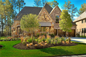 Creekside Park The Woodlands - Brick home with a beautiful yard